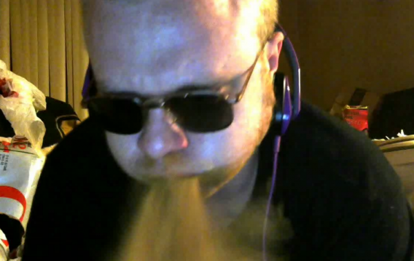 Ryfourn's Cinnamon Challenge on Battlecam.com