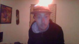 CH1CK3NxSALAD Lights Hat on Fire on Battlecam.com