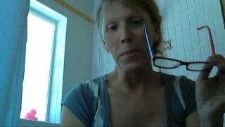 Gracies Huge Beetle in Her House on Battlecam.com