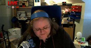 TreadMillSinger - Sings Listen to the Music by The Doobie Brothers on Battlecam.com