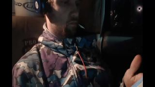 Bongrip Almost Robs Justin on Battlecam.com