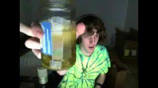 TeamWee - Eats a Jar of Sliced Jalapenos on Battlecam.com