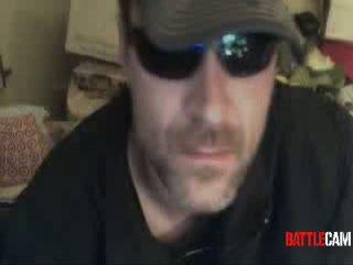 BeerGuy Eats a Light Bulb.. on Battlecam.com