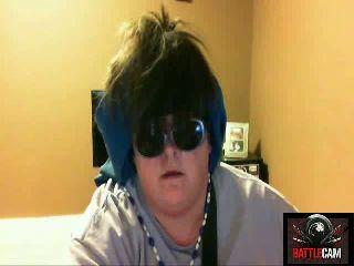 Rockin' Susie.. Rocks Out w/ GNR.. on Battlecam.com