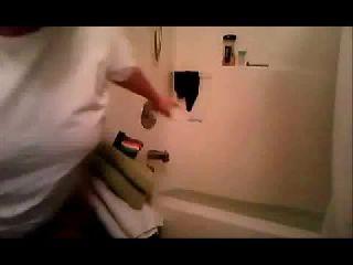 Vikki does a water challenge on Battlecam.com