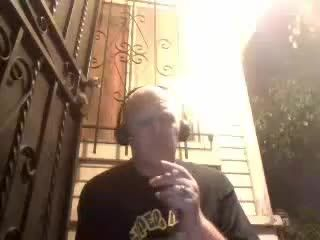 Cavacho - Smokes Hair in His Cigarette and then Eats the Butt on Battlecam.com