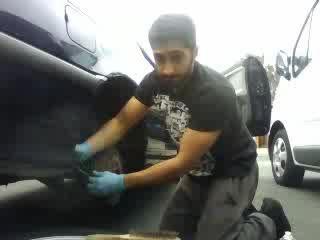 J4M2G0 fixing his tire on Battlecam.com